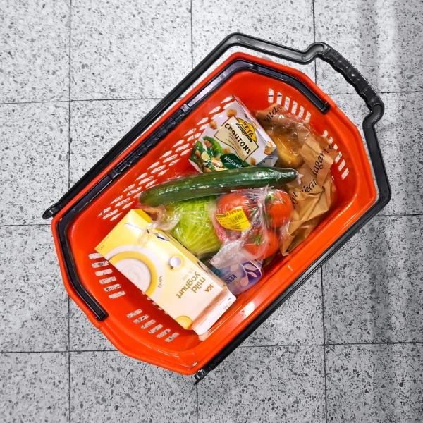 3982321-kundkorg-med-matvaror